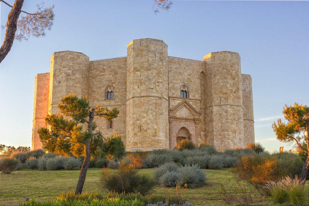 Castel del Monte - Puglia. Foto: Andria Wor/ Bigstock