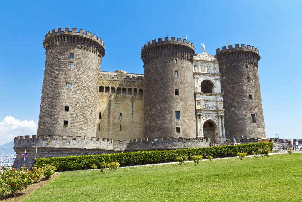 Castelo medieval de Maschio Angioino ou Castel Nuovo