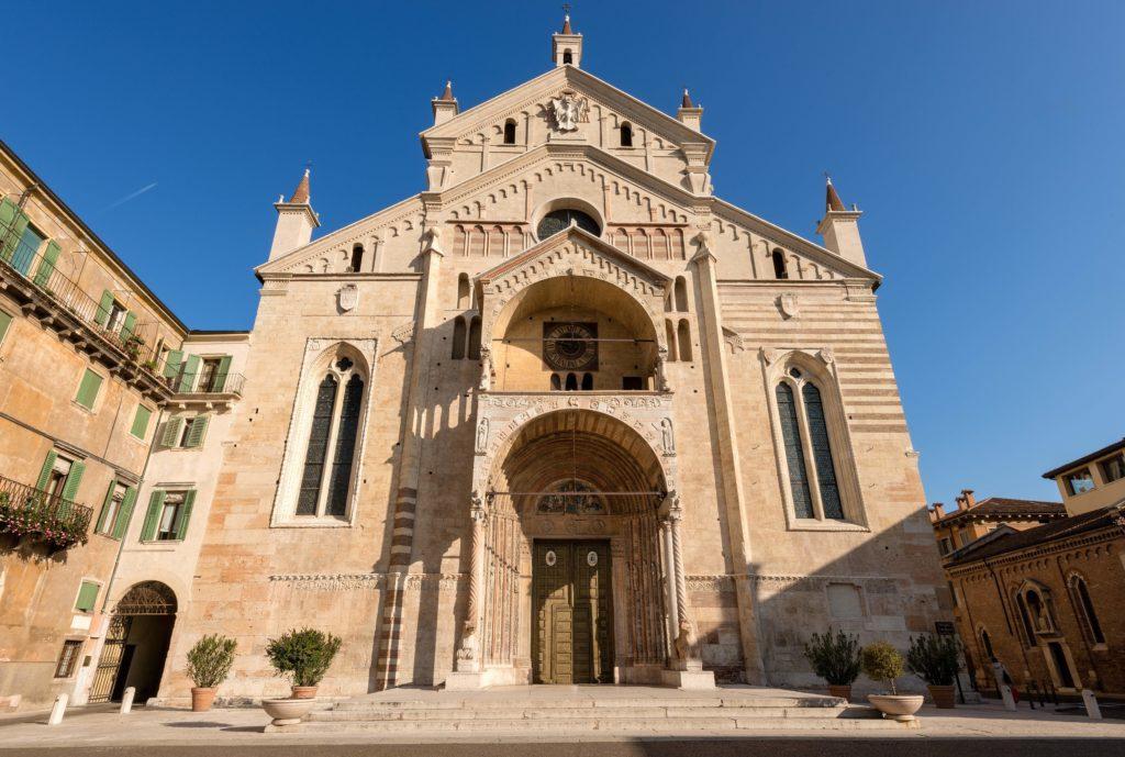 Fachada do Duomo de Verona.