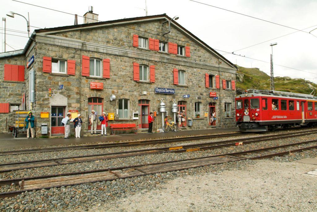 Parada Ospizio Bernina – Trem Bernina Express