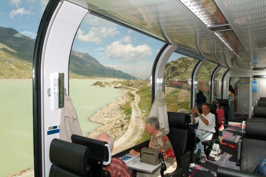 Vagão panorâmico do trem Bernina Express